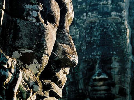 smile-of-bayon-temple